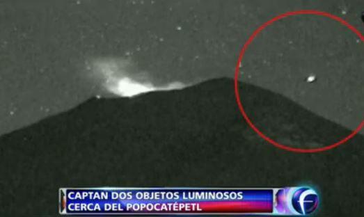 Objetos luminosos ao redor do vulcão Popocateptl