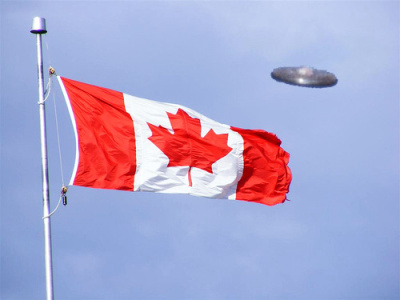 Canadian_flag+saucer