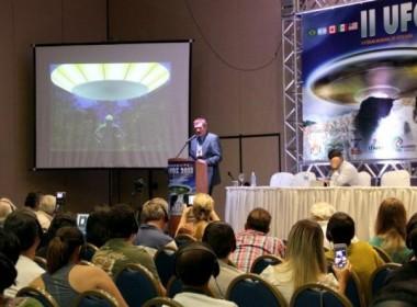 Travis Walton em uma das mais concorridas conferências do II UFOZ 2013