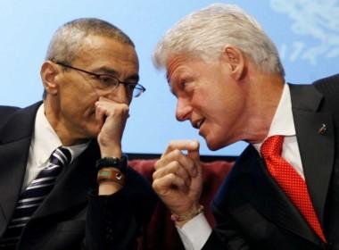 John Podesta e Bill Clinton.
