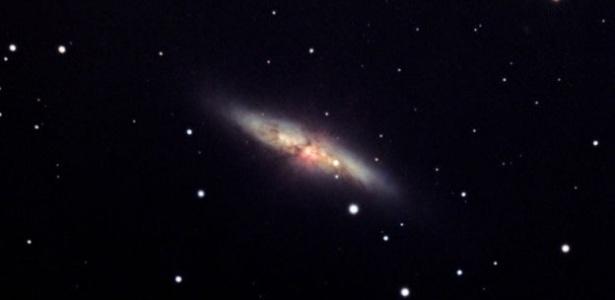 a-explosao-da-supernova-sera-na-galaxia-do-charuto-chamada-assim-devido-ao-seu-formato-o-local-fica-a-cerca-de-12-milhoes-de-anos-luz-da-terra