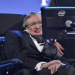 Stephen Hawking parece não saber como se posicionar a respeito da vida extraterrestre