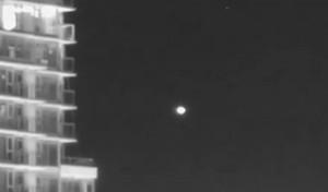 OVNI-filmado-em-Vancouver-por-astronomo-amador