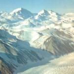 Antártica: Engenheiro de voo da Marinha dos EUA avistou OVNIs e possível entrada para base de ETs e humanos – Parte II