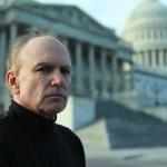 Conheça o lobista que está pressionando o governo dos EUA para revelar a verdade sobre os ETs