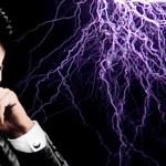 Em entrevista, Tesla disse acreditar ter recebido mensagens de extraterrestres