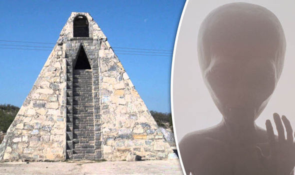 pirâmide alienígena México