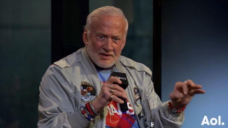 Buzz Aldrin - entrevista AOL