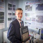 Menino de 15 anos testa teoria própria e descobre cidade maia