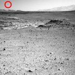 Foto da NASA mostra misterioso objeto negro no céu de Marte