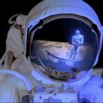 Um segundo cientista da NASA diz que 'há alguém mais na Lua'