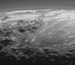 É possível a existência de um oceano líquido em Plutão