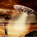 Alienígenas não entram em contato conosco devido às intrigas internas, dizem cientistas