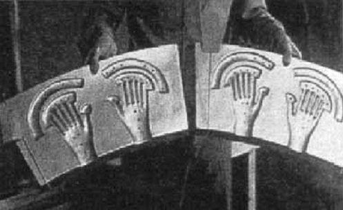 Imagens de Roswell? Uma nave alienígena com hieróglifos