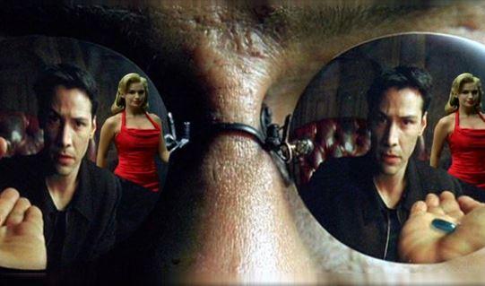 mulher de vermelho no filme Matrix