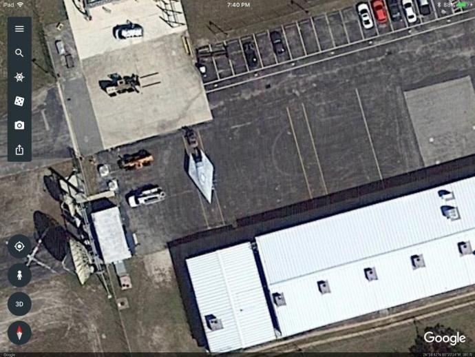 aeronave exótica aparece em foto de satélite do Google Maps