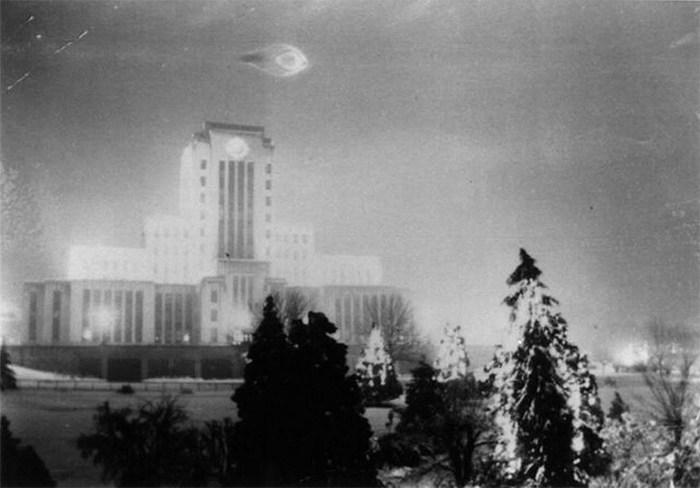 O OVNI que pairou sobre a prefeitura de Vancouver