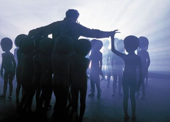 O contato alienígena em massa é iminente
