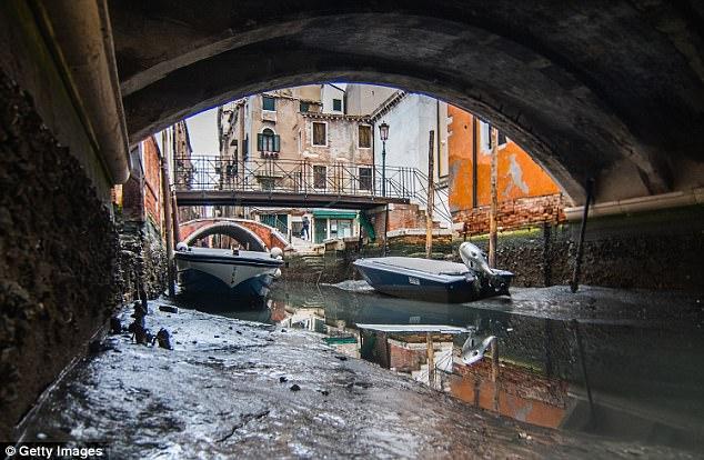 Mar recua em Veneza