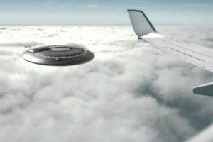 OVNI voa sobre dois jatos de passageiros nos EUA