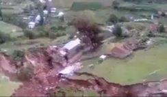 A terra está se abrindo no Peru