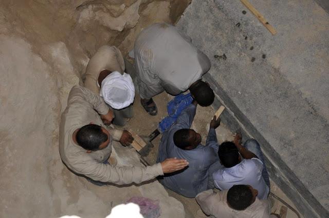 Gigantesco sarcófago é aberto e arqueólogos encontraram algo inesperado Sarc%C3%B3fago-alex-1